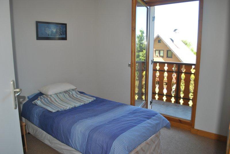 Bedroom 2 with balcony