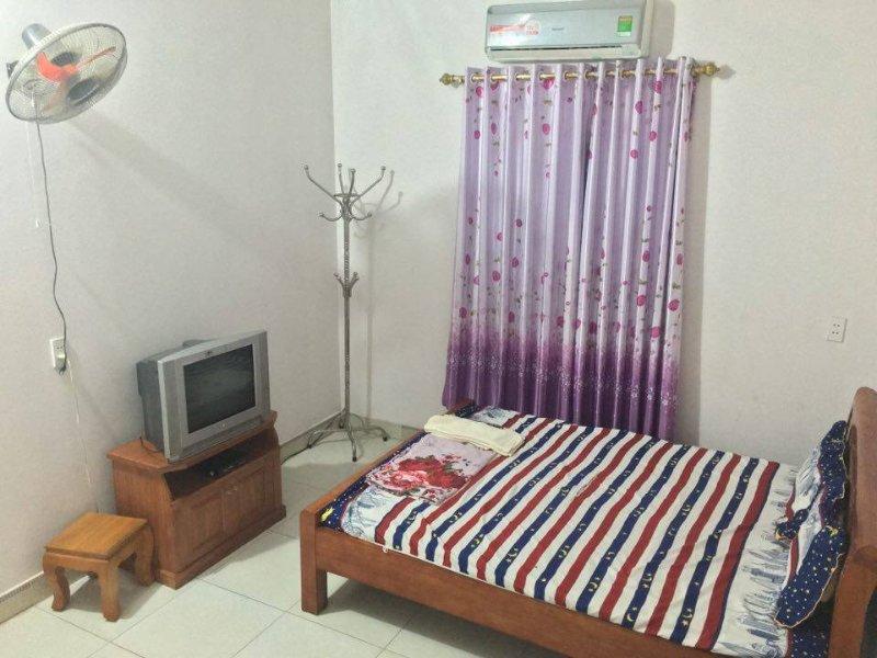 Nhà Nghỉ Nhật Hạ (Nhat Ha Hotel) – semesterbostad i Thai Nguyen Province