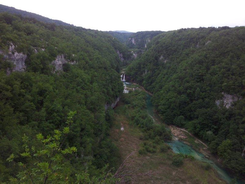 Belle rivière Korana continue encore sa 400 km de débit ..