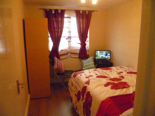 LONDON ACACIA'S 1 BED FLAT,CLOSE TO CITY, SLEEP2-6, location de vacances à Ilford