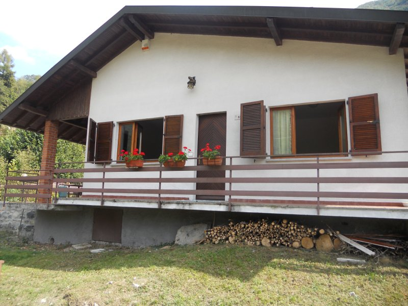 Violet House, vacation rental in Dizzasco
