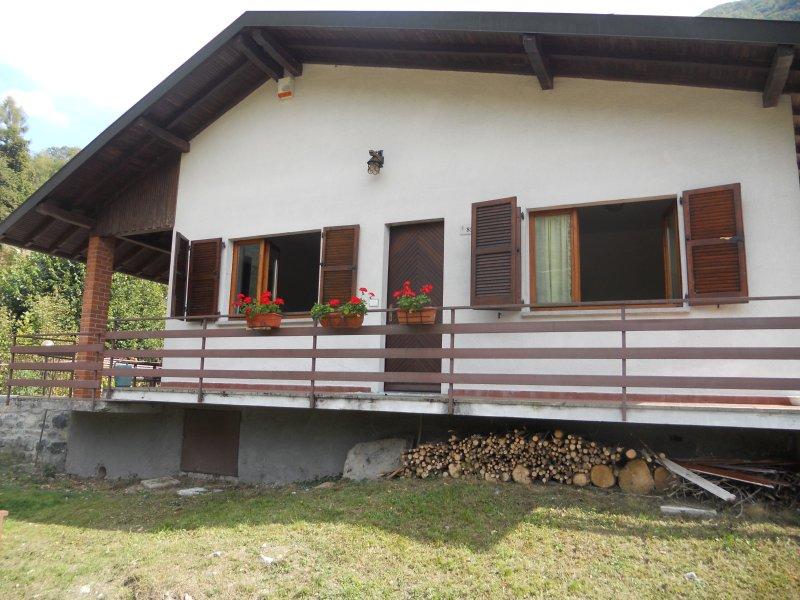 Violet House, vacation rental in Schignano