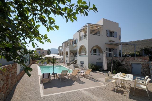 ASTARTE SEA VILLAS : 2 Bedroom, 1 Livingroom Villa, location de vacances à Velanidia