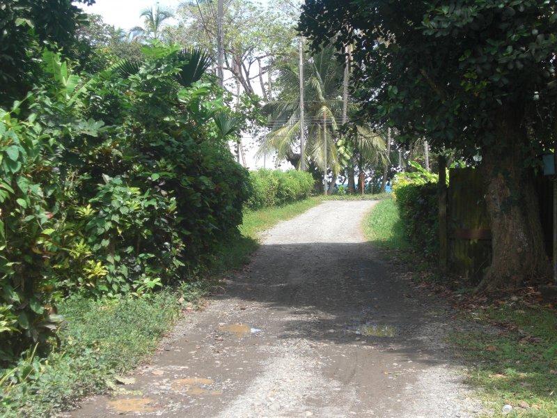 Strada da Casa Verde per la spiaggia