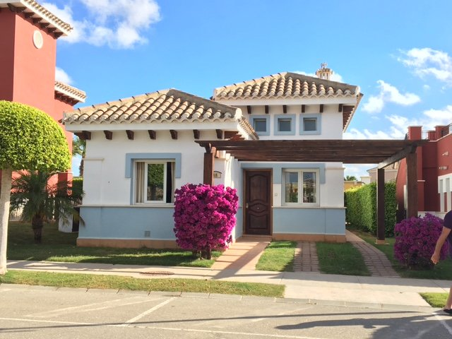 Villa 2beds, 2 baths, English TV, Wifi, Superb Location, not overlooked short walk  to Resort Centre