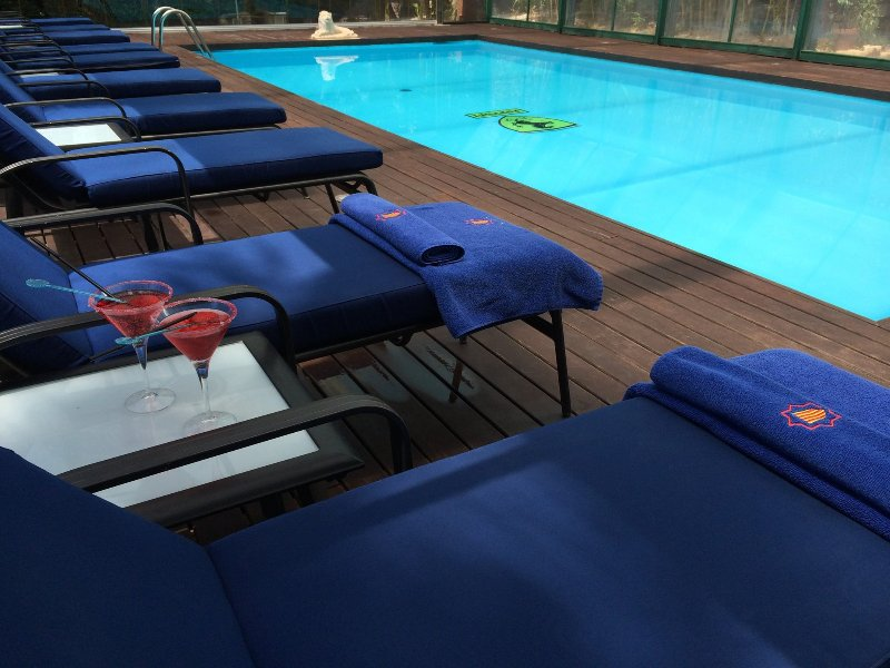 villa grande con piscina, Spa y jardín tropical, ideal para familias con niños, aluguéis de temporada em Rojales