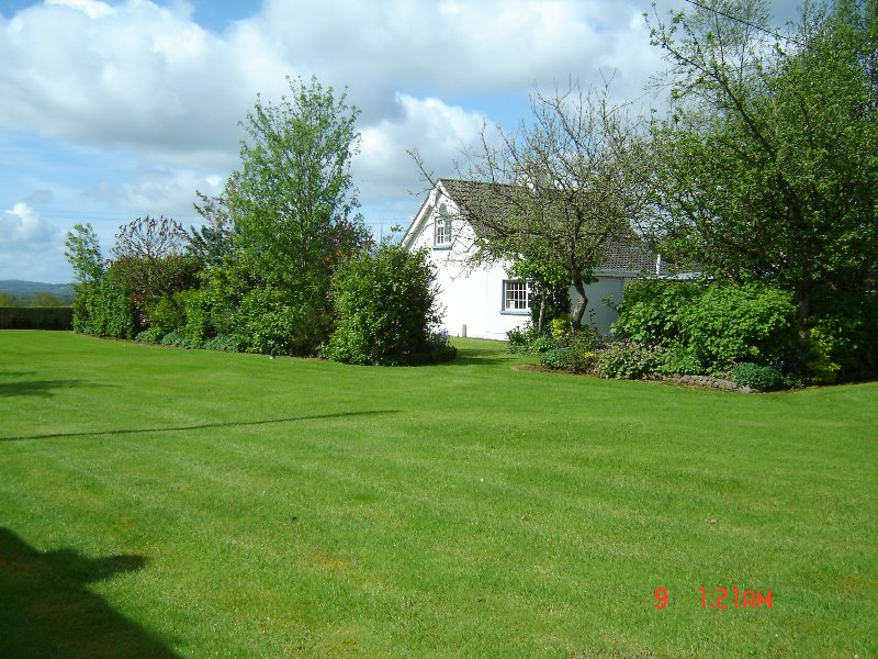 Cooga Cottage Self Catering  Free Wi-Fi - Sleeps 6, vacation rental in Tipperary