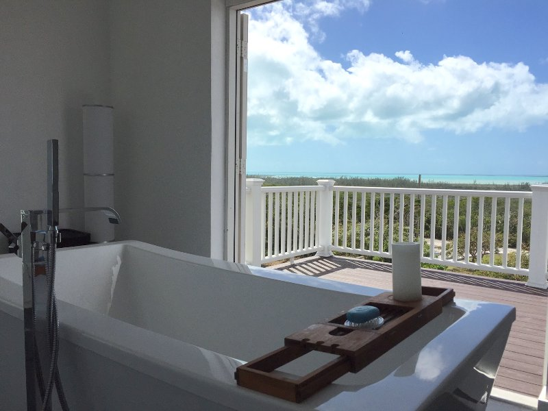 2 Master Suites, 2 Stunning views. A bath with a view. A lifestyle to savor. Enjoy.