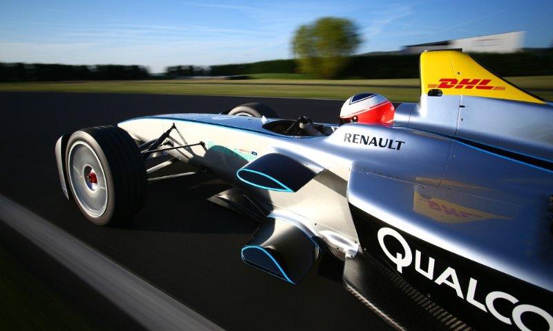 Ubicacion privilegiada para ver la Formula E. Vista parcial a la pista de carrera.