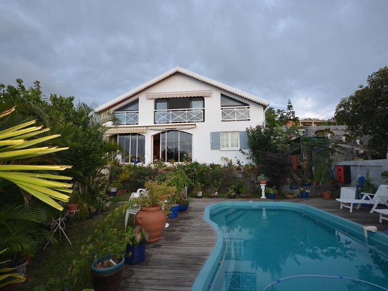 Haut de maison avec vue magnifique, location de vacances à Arrondissement de Saint-Paul