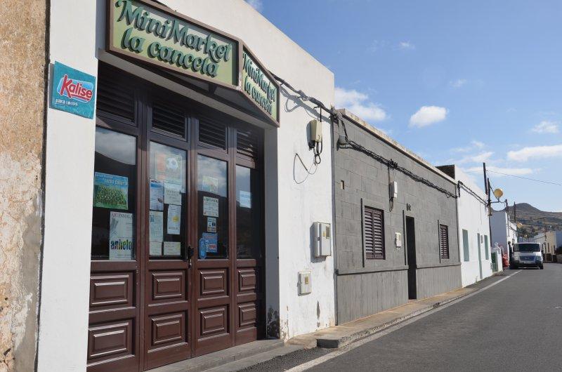 Minimarket del pueblo de Maguez