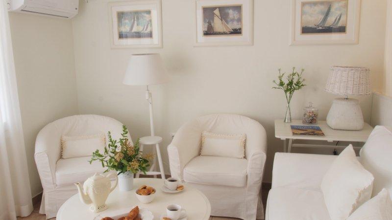 Jasmine Apartment- sitting