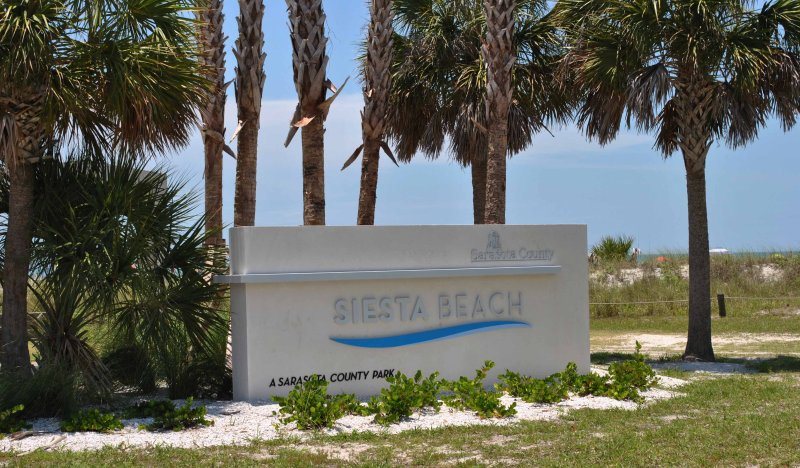 Siesta Key Beach with gorgeous sunsets in Siesta Key, holiday rental in Sarasota