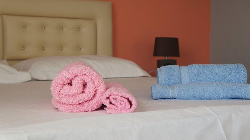 Meg Rooms - Apt 2, holiday rental in Gjirokaster