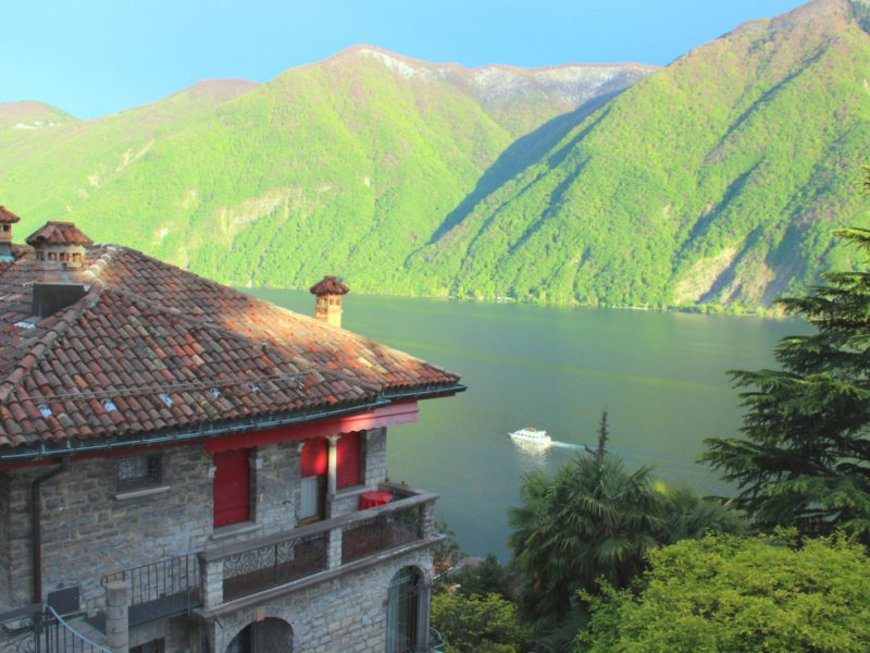 Barony for 8  persons near lake, airconditioning, shared pool, vacation rental in Gandria