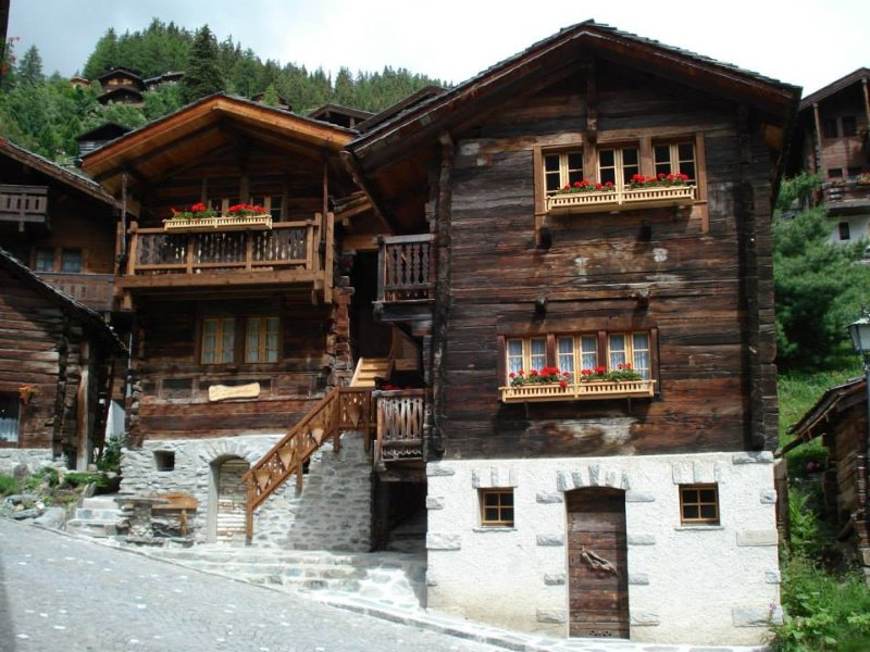 Beautifully restored chalet in the heart of Grimentz.  Close to all amenities summer & winter.