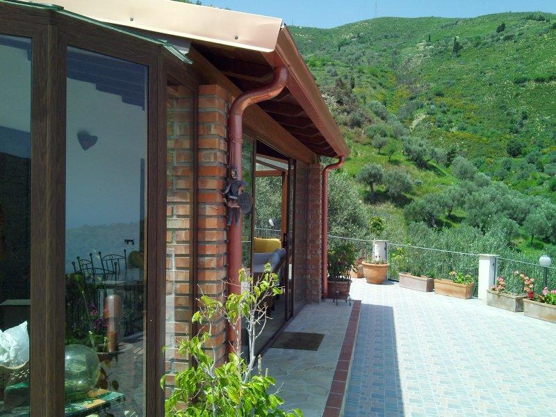 In Villa - appartamento Lipari 4 posti letto, holiday rental in Capizzi