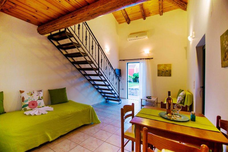 Athousakis VIllage No6, holiday rental in Perivolia