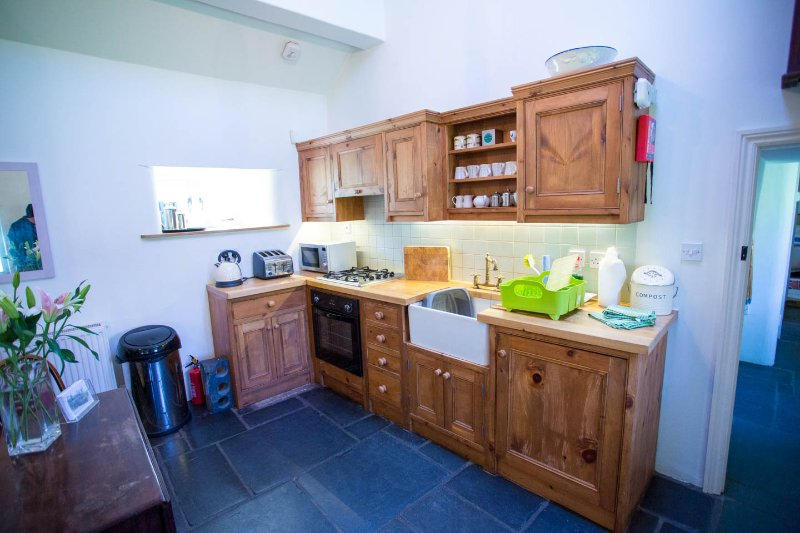 Kitchen area, well equipped