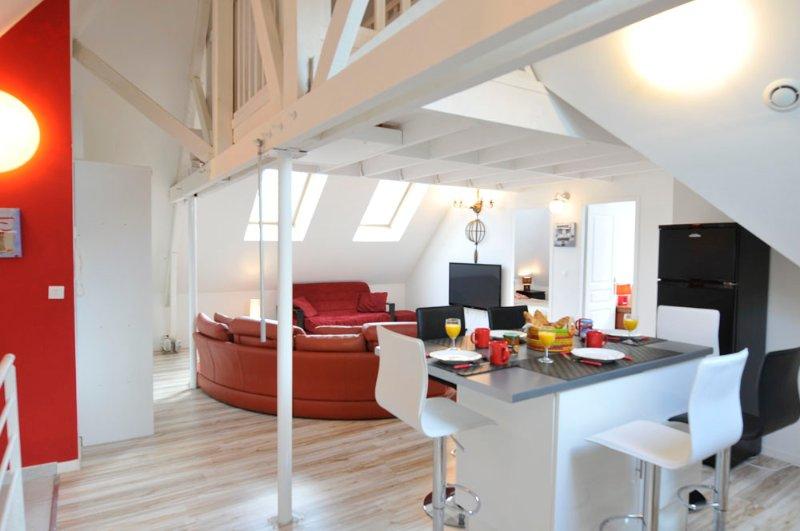 3 CREATIV APPART proche VERSAILLES 6-8 Personnes, vacation rental in Guyancourt