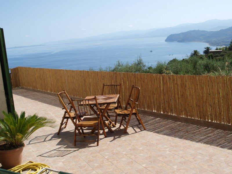 Appartamento in Villa con panorama sul mare. Wi-Fi, holiday rental in San Giorgio