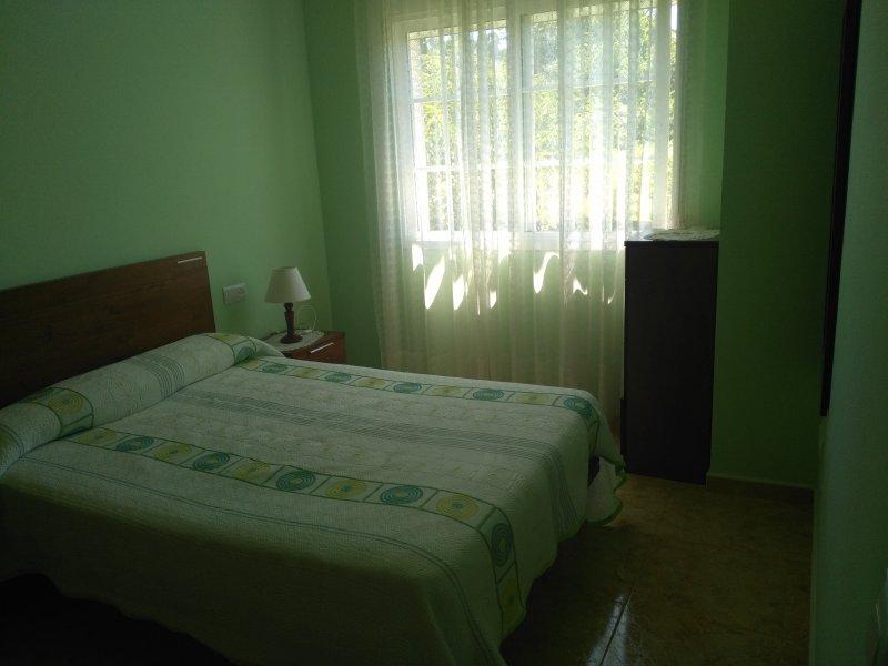 Apartamento en zona tranquila Sanxenxo, aluguéis de temporada em Outeiro