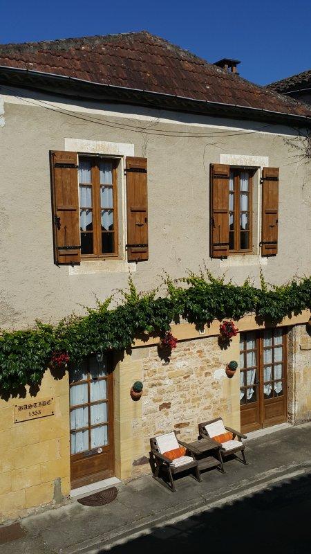 Bastide 1353 frontage