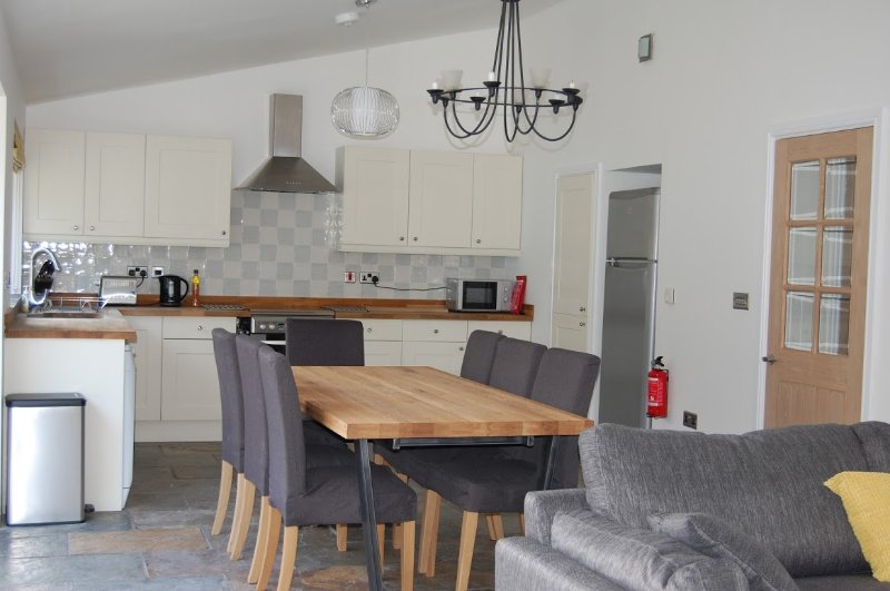 Short Walk to Moors Valley Country Park, holiday rental in Horton