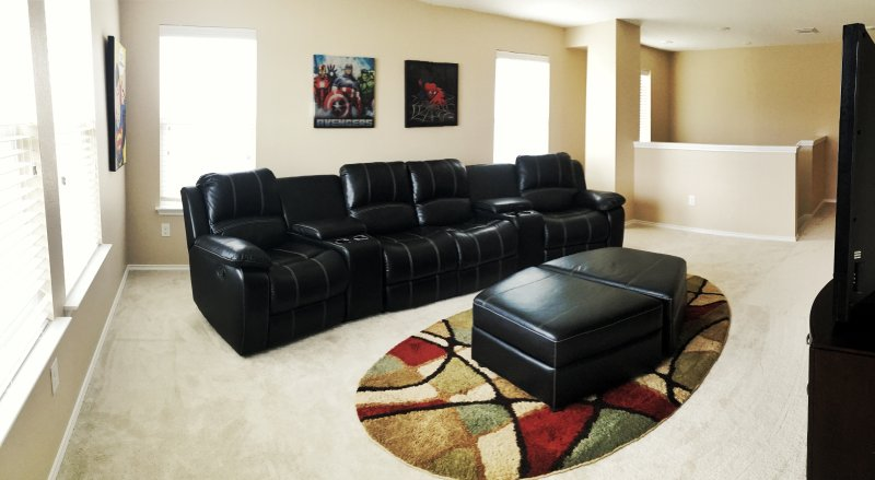 Upstairs Game room / all  4 chairs recline.