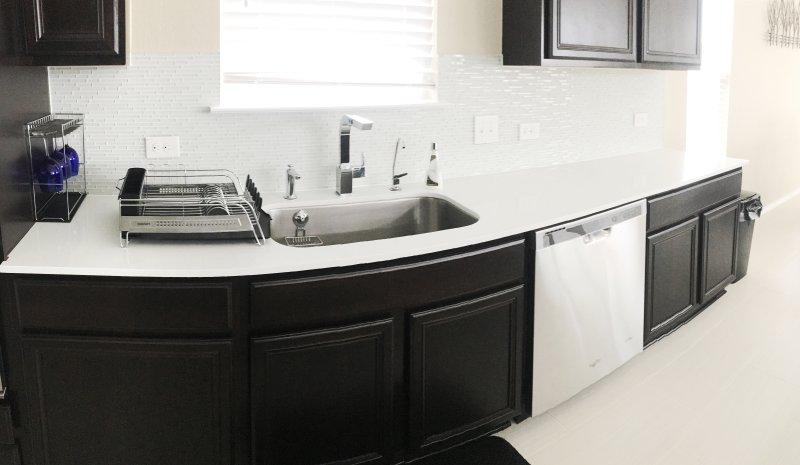 Kitchen sink / Dish washer