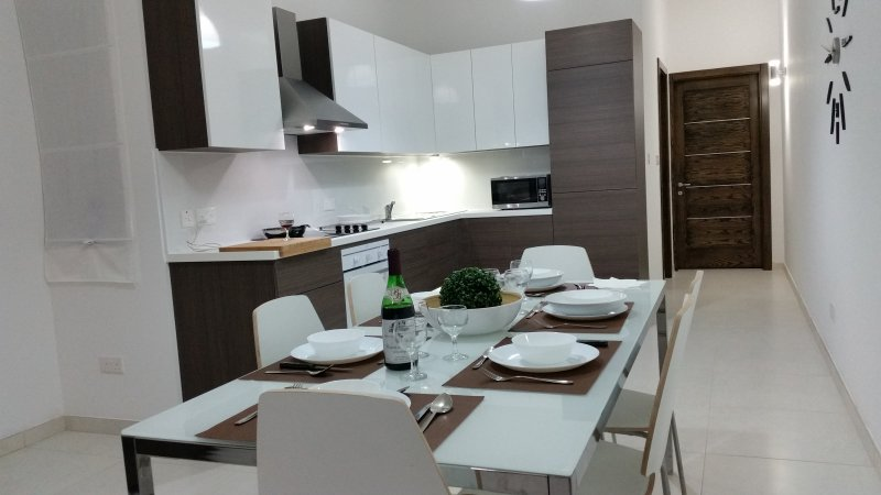 Qawra/Bugibba new and centraly located apartment, vacation rental in Salina