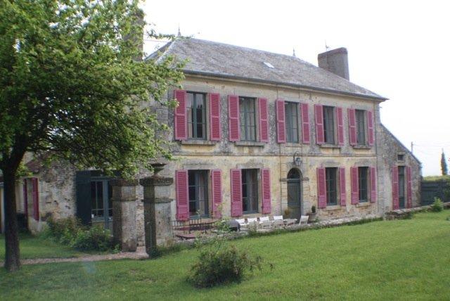 LE PRESBYTERE DE CHAMPCERIE, holiday rental in Fresne-la-Mere