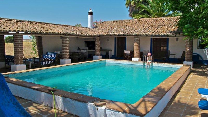 MONTE BRANCO - CASA ANTIGA/SUITE AMARELA, alquiler de vacaciones en Terena