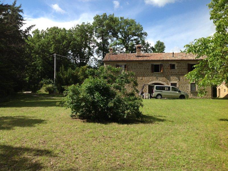 casa vacanze casale canneto, holiday rental in Serra Sant'Abbondio