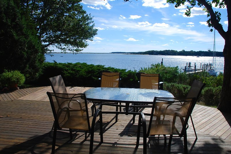 Waterfront Home in Oyster Harbors - beach + dock, holiday rental in Osterville