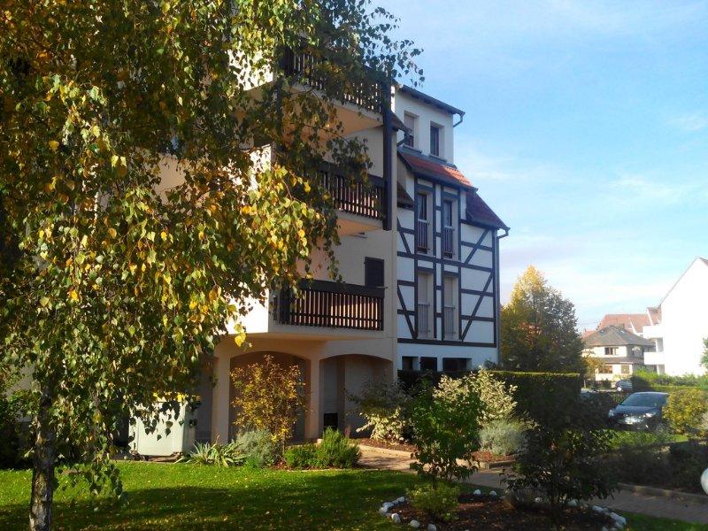 Charmant F2 classé 2 étoiles, PARKING GRATUIT, holiday rental in Ittenheim