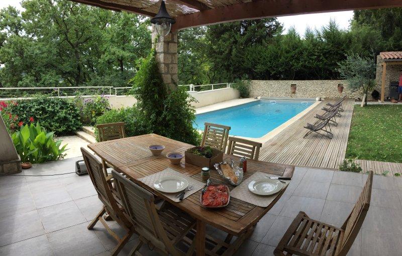 Belle villa avec piscine privée, à 2 km d'Avignon - Avignon - maison