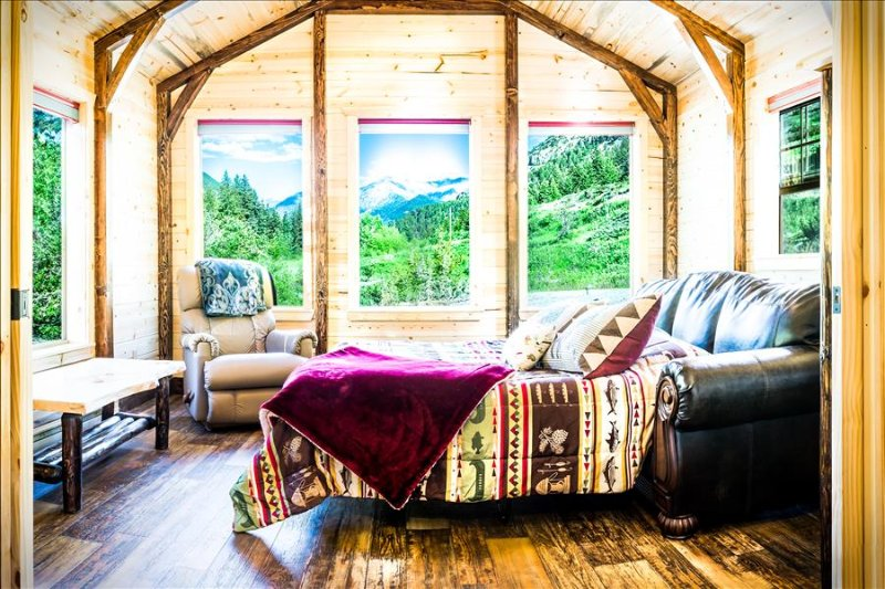 ***Fisher Cabin in the Crazy Mountains!!!  Mountain Paradise, Wildlife, Star-Gaz, holiday rental in Big Timber