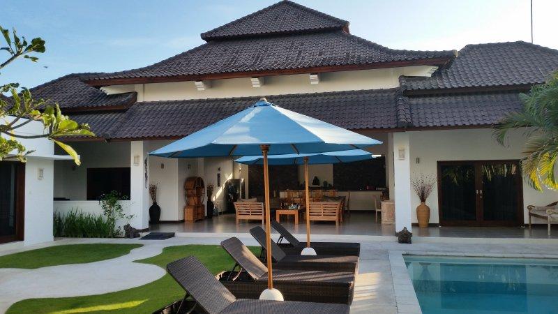 rumah indah .... 3 bedroom villa in umalas, location de vacances à Kerobokan