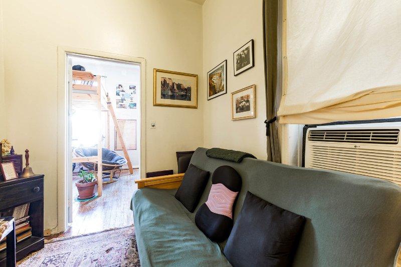 Living Room view in logeerkamer