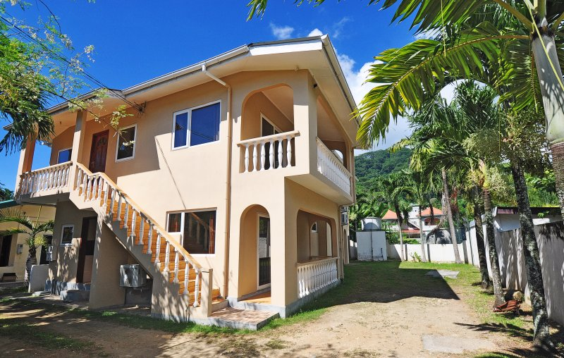 GT Self Catering Seychelles, vacation rental in Beau Vallon