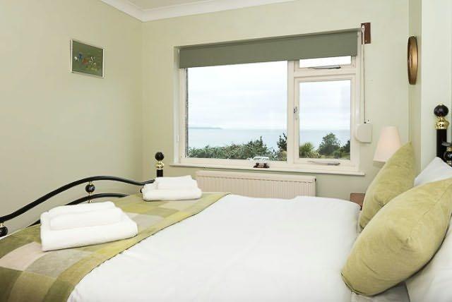 La deuxième chambre bénéficie également d'une vue magnifique sur la baie.