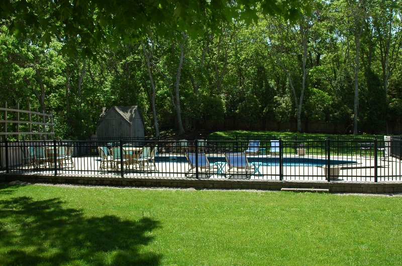 Beautiful Landscape-fenced in pool, professionally maintained