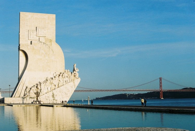 10 minutes walking distance from Monument to the Discoveries