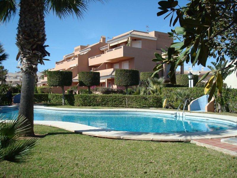 NATURISTA 2 habitaciones y piscina, barato, holiday rental in Vera