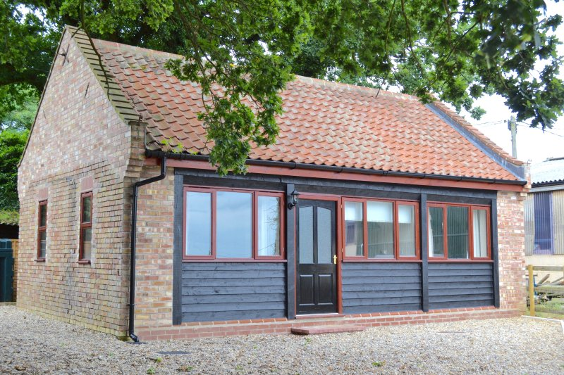 Willow Farm Barn, holiday rental in Thurton