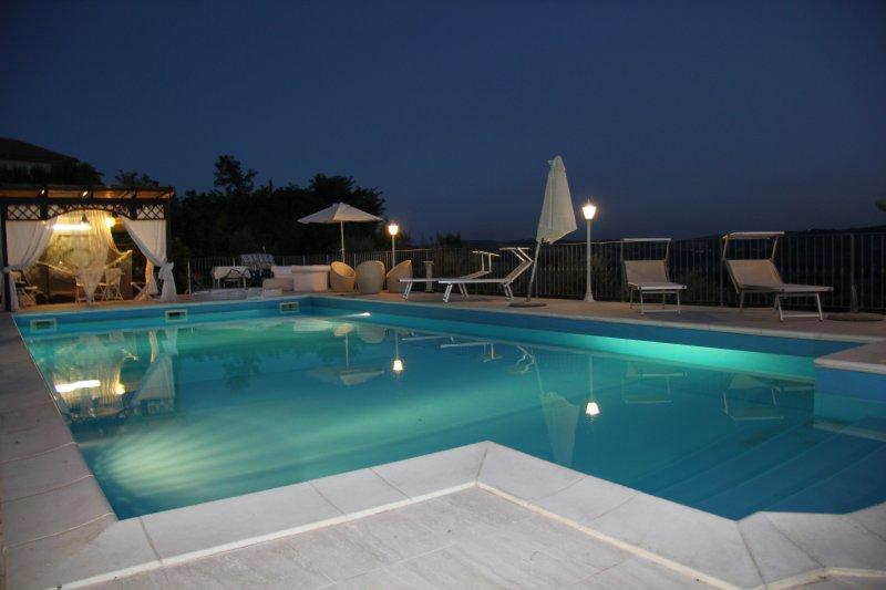 Appartamento  delle fiabe in villa panoramica, holiday rental in Controguerra