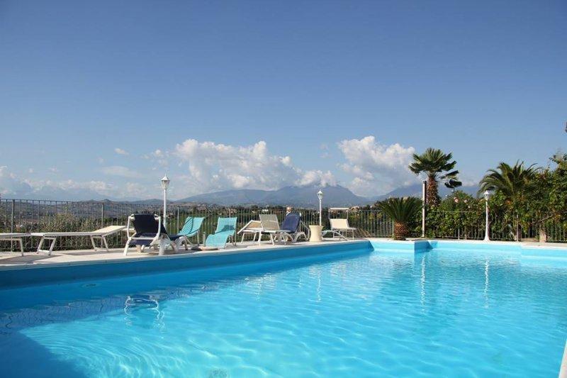Appartamento in Villa Ninfea- PROMOZIONE!!!!!, holiday rental in Villa Lempa