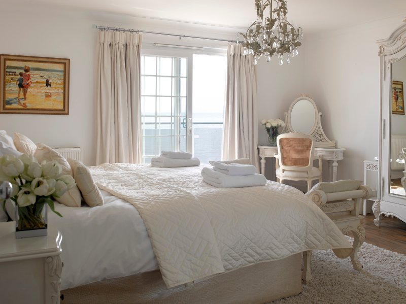 Vanilla Bedroom with sea views
