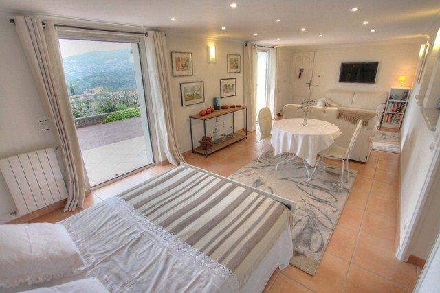 F1- villa avec piscine collines niçoises, belle vu, location de vacances à Falicon